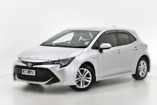 promo code 9633c b3dd9 Demo 2018 Toyota Corolla Ascent Sport Hatch Hybrid (Silver Pearl) with  Satellite Navigation