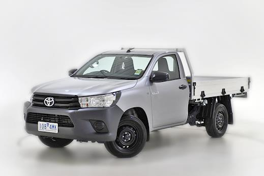 Demo 2018 Toyota HiLux 4x2 Workmate Single-Cab Cab-Chassis (Silver Sky) 0598e2b7a8010